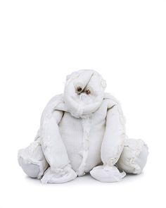 Brooklyn-based artist and photographer Kent Rogowski created disturbing photographs of cuddly teddy bears turned inside out. For the series 'Bears', he transformed innocent playthings into. Creepy Photos, Cute Teddy Bears, Bear Art, Red Fish, Designer Toys, Lion Sculpture, Childhood, Stuffed Toys, Stuffed Animals
