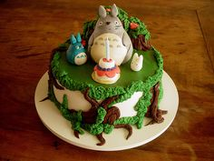 Bolo de Aniversário Totoros (Totoros Birthday Cake) by Carla Ikeda - DENTRO DO FORNO - BOLOS DECORADOS - , via Flickr