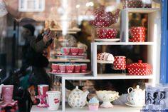 Hummingbird Bakery, Portobello, London Hummingbird Bakery, London Calling, Portobello, Store Fronts, V60 Coffee, White Interiors, Restaurant, Shops, Tents
