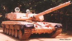 タンクEX(カルナ)。インド共和国のDRDO(国防研究開発機構)などが開発していた重量47tのMBT(主力戦車)。T-72戦車のシャーシとアージュン戦車のターレットを組合せて設計された。ただ効果を疑問視されキャンセル。