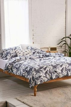 Hills Palm Print Duvet Cover Set | Urban Outfitters