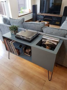 My turntable bench completed : vinyl Lp Regal, Vinyl Record Storage, Vinyl Record Display, Record Table, Record Player Console, Lp Storage, Home Music Rooms, Design Retro, Vinyl Room