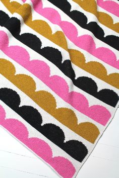 Hippos Mini by Happy Habitat- scalloped baby blanket in Gold, Bubble Gum Pink & Black