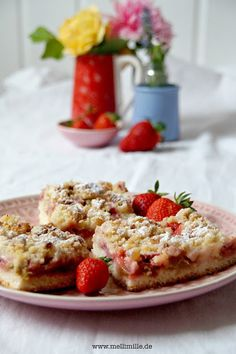 mellimille: Rhabarber-Erdbeer-Streuselkuchen vom Blech