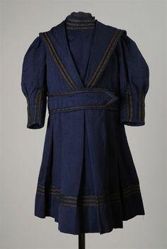 Dark blue woolen boy's dress, 1875-1885, via Rotterdam Museum.