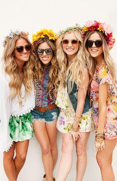 We love these flower hair bands from @ShowMeYourMumu #SkinadeLoves #SkinadeSummer