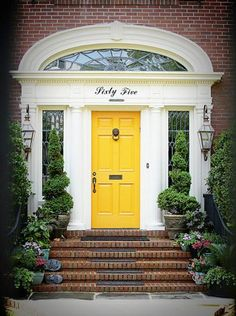 30 Front Door Ideas and Paint Colors for Exterior Wood Door Decoration or Home Staging-love the arch