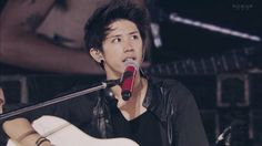 Taka One Ok Rock acoustic session (Mighty Long Fall Live at Yokohama Stadium)