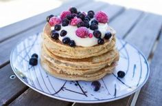 PROTEINRIKE FROKOSTPANNEKAKER Pancakes, Breakfast, Food, Morning Coffee, Essen, Pancake, Meals, Yemek, Eten