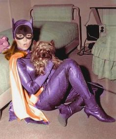 Best librarian EVER! Yvonne💜Craig as Batgirl. Batgirl Cosplay, Batman And Batgirl, Batman 1966, Batman Robin, Gotham Batman, Batman Art, Batman Tv Show, Batman Tv Series, Batgirl Pictures