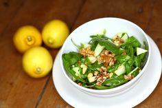 Deze salade is heerlijk fris, maar tegelijkertijd ook lekker pittig door het gebruik van rucola. Salad Recipes, Vegan Recipes, Vegan Food, Vegan Challenge, Eat Lunch, Plant Based Recipes, Potato Salad, Salads, Good Food