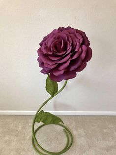 This free standing giant paper flower looks amazing for backdrops and no matter how you use it. It is fantastic for aisle decor, wedding, baby shower or birthday backdrops, home decor and so on. _________________________________________________ FEATURES The flower is made out of high