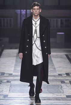 Alexander McQueen Inverno 2016 | Londres Fashion Week