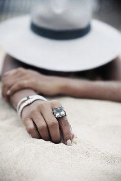 Love this Classic Chain Large Braided Ring by John Hardy Summer Photography, Jewelry Photography, Photography Poses, Beach Poses, Beach Shoot, John Hardy Jewelry, Summer Photos, Beach Pictures, Photo Jewelry