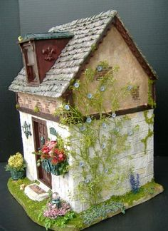 Primrose Cottage Bashed - The Greenleaf Miniature Community
