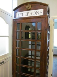 Catawiki Online-Auktionshaus: Authentische englische Telefonzelle - ca. 1880 Telephone Booth, Storage Solutions, China Cabinet, Business, Top, Home Decor, Cabins, Auction, Haus