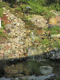 beeindruckender steingarten mit bachlauf mit natürlichem look, Garten und erstellen