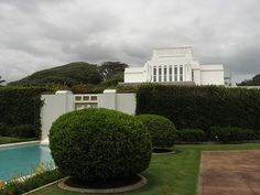 Laie Hawaii LDS Temple, Oahu, Hawaii (4) - http://www.ldsfavorites.net/laie-hawaii-lds-temple-oahu-hawaii-4/  #LDSgems #lds #mormon #LDStemples