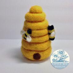 Needle Felted Beehive  Bumble bees Bee Keeper от littlebeedesigns