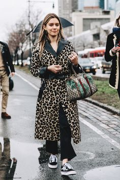 Nyfw New York Fashion Week Fall Winter 17 Street Style Emma Morrison Leopard Coat Gucci Bag 2