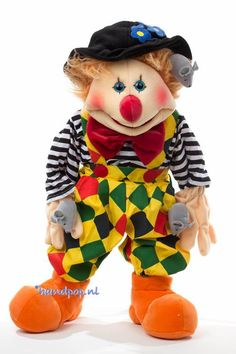 Cleo is een prachtige clown handpop met veel extra's. 65 cm grote menspop van Living Puppets Living Puppets, Tigger, Ronald Mcdonald, Om, Disney Characters, Fictional Characters, Style, Swag, Fantasy Characters