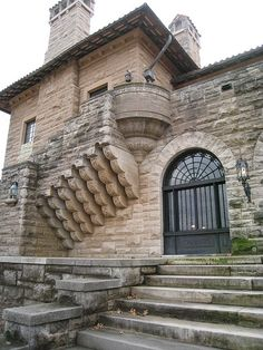 Marland Mansion, Ponca City, Oklahoma - Look at the magnificent stonework.