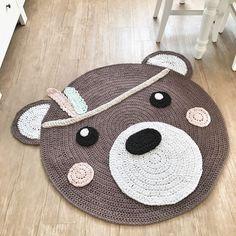 Guten Morgen Hier ist das Ergebnis von meiner gestrigen Arbeit ...die Federn in Mint und Rosa gefallen mir besonders gut #häkeln #crochet #kinderzimmer #kinderzimmerdeko #babyroom #babygirl #babyzimmer #babygeschenke #schwanger #momtobe #hoooked #handmade #kidsfashion #bärenteppich #kidsinterior #indianer