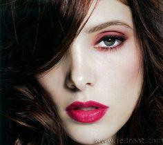 Pink! Love Ashley Greene's Make-up