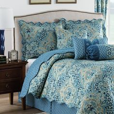 - Queen Bedding In Small Room - - Country Bedding Photography Bridesmaid Photos - Black Bedding Side Table Bedroom Sets, Bedroom Decor, Blue Bedrooms, Master Bedrooms, Waverly Bedding, Kids Bed Canopy, Ruffle Bedding, Queen Bedding, Beige