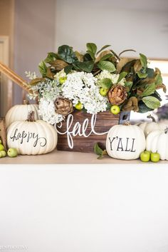 Awesome 88 Totally Adorable Fall Country Decoration Ideas for Your Home. More at Awesome 88 Totally Adorable Fall Country Decoration Ideas for Your Home. Autumn Decorating, Pumpkin Decorating, Decorating Ideas, Decor Ideas, Diy Ideas, Thanksgiving Decorations, Seasonal Decor, Holiday Decor, Friends Thanksgiving