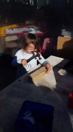 Today our tamariki explored at the carpentry table.  The tamariki had so much fun creating with the hammer and nails.  Carpentry is full of many benefits in Ece, including hand eye coordination and manipulative skills. Developing understandings of mathematics concepts such as length, size, balance and force.  #Childcare #Daycare #Kindergarten #Preschool #EarlyEducation #EarlyChildhoodEducation #EarlyLearning #LearningLinks #LearningLinkChildcare Early Education, Early Childhood Education, Learning Centers, Early Learning, Pre School, Childcare, Carpentry, Mathematics, Kindergarten
