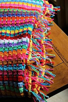 """Crochet Afghans Design Beautiful """"Globetrotter Blanket"""" made by homemade Tutorial in this post for the border. All links related to the blanket at the bottom of the post. Mode Crochet, Crochet Home, Diy Crochet, Crochet Crafts, Crochet Projects, Yarn Projects, Tutorial Crochet, Crochet Afghans, Crochet Blanket Patterns"""