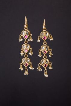 Earrings Northern India First half 1900 Gold, rubies, white saffires, Baroque pearls Ethnic Jewels 0694 Indian Jewelry Earrings, Jewelry Design Earrings, Gold Earrings Designs, India Jewelry, Gold Jewelry, Jewelery, Trendy Jewelry, Ethnic Jewelry, Pearl Earrings