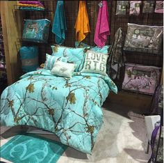 New colors of Realtree Camo Bedding are coming this fall from 1888 Mills including #Realtree APC Mint. You'll also be able to shop for Realtree antler bath accessories like the mats and towels pictured here.  #Realtree #Realtreecamo   #camobedding Girls Camo Bedroom, Country Girl Bedroom, Camo Bedrooms, Hunting Bedroom, Camo Outfits, Real Tree Camo, Camo Stuff, Purple Camo, Pink Camouflage