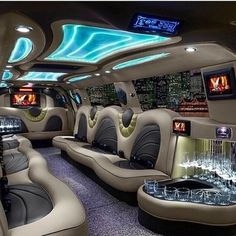 Limousine I could live in! Limousine Interior, Limousine Car, Limo Party, Luxury Van, Luxury Motorhomes, Luxury Private Jets, Custom Vans, Exotic Cars, Luxury Lifestyle