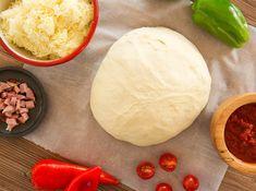 Συνταγή για τέλεια ρολάκια πίτσας! | ediva.gr Dairy, Pizza, Eggs, Cheese, Food And Drink, Breakfast, Foodies, Egg, Egg As Food