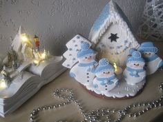 Chaloupka pro sněhuláky, cena: 350 Kč Cookies, Desserts, Food, Crack Crackers, Tailgate Desserts, Deserts, Biscuits, Essen, Postres