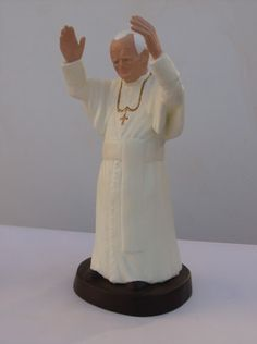 JEAN~PAUL  II      by   CONSTANTINOS  LC terracotta and acrilic paint  http://constantinos.com.sapo.pt/