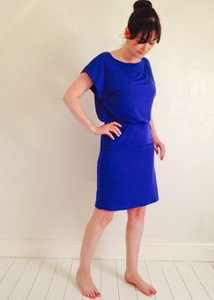 Kiminojurk van 1 uur (A blue dress?...run through Google Translator hehe)