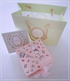 Amazing my Ladurèe box #laduree #macarons #rome #patisserie