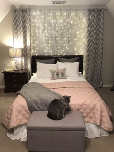 diy decor bedroom / diy decor & diy decorations & diy decor bedroom & diy decor home & diy decorations for home & diy decor ideas & diy decorations party & diy decoración habitación Cute Room Decor, Room Decor Bedroom, Bedroom Lighting, Master Bedroom, Modern Bedroom, Bedroom Curtains, White Curtains, Bed Room, String Lights Bedroom