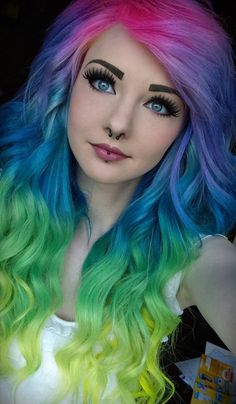 Newest Pictures Scene Hair rainbow Ideas Finding picture hair cuts that are interesting and not saying is difficult, to a certain extent as Scene Girl Fashion, Emo Hair, Hair 24, Coloured Hair, Scene Hair, Scene Bangs, Pastel Hair, Cool Hair Color, Hair Colour