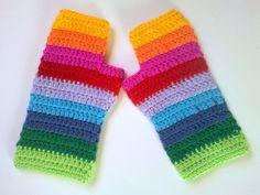 Mitones tejidos a crochet - Guantes y Mitones - Accesorios - 396675 Crochet Mittens, Crochet Gloves, Knit Crochet, Wrist Warmers, Hand Warmers, Selling Crochet, Crochet Patron, Crochet Accessories, Mitten Gloves