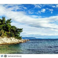#Repost @tamaramilevoj with @repostapp  Follow back for travel inspiration and tag your post with #talestreet to get featured.  Join our community of travelers and share your travel experiences with fellow travelers atHttp://talestreet.com  december in croatia  comment if you visited croatia  #croatia #hrvatska #croatiafulloflife #croatiangirl #coastlife #blue #sea #nature #nature_perfection #naturelovers #naturephotography #photograph #sky #skylovers #travel #vsco #vscocam #travelgram…