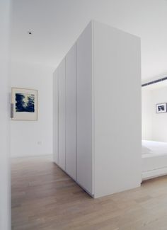 Wardrobes behind bed Interior - Apartment - Vector Architects House Design, Small Spaces, Apartment Design, Apartment Interior, Home Bedroom, Bedroom Interior, House Interior, Home Deco, Small Apartment Design