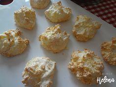 ...kokosky s tvarohem... - Sincerely Helena Krispie Treats, Rice Krispies, Muffin, Food And Drink, Baking, Breakfast, Cakes, Morning Coffee, Cake Makers