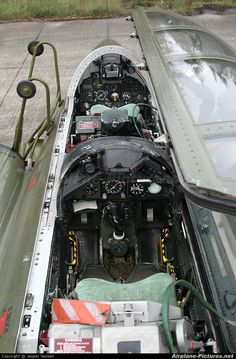 Airplane-Pictures.net - the best aviation photos online Airplane Fighter, Fighter Aircraft, Fighter Jets, Saab 35 Draken, Aircraft Interiors, Airplane Design, Front Office, Aircraft Pictures, Automotive Art