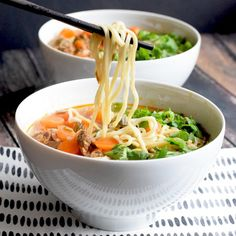 Simple beef ramen with spelt noodles. Low FODMAP, wheat-free and dairy-free. With gluten-free option. Asian Recipes, Beef Recipes, Healthy Recipes, Ic Recipes, Cookie Recipes, Beef Ramen Recipe, Food Map Diet, Lactose Free Diet, Fodmap Recipes
