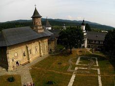 Incinta Mănăstirii Neamţ - vedere de sus, comuna Vânători-Neamț, satul Mănăstirea Neamț