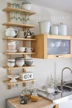 3 tricks for more space: So awesome you can set up a small kitchen - Regale / Shelves - Home Sweet Home Kitchen Interior, New Kitchen, Kitchen Decor, Kitchen Ideas, Kitchen Small, Small Kitchens, Awesome Kitchen, Modern Kitchens, Kitchen Inspiration